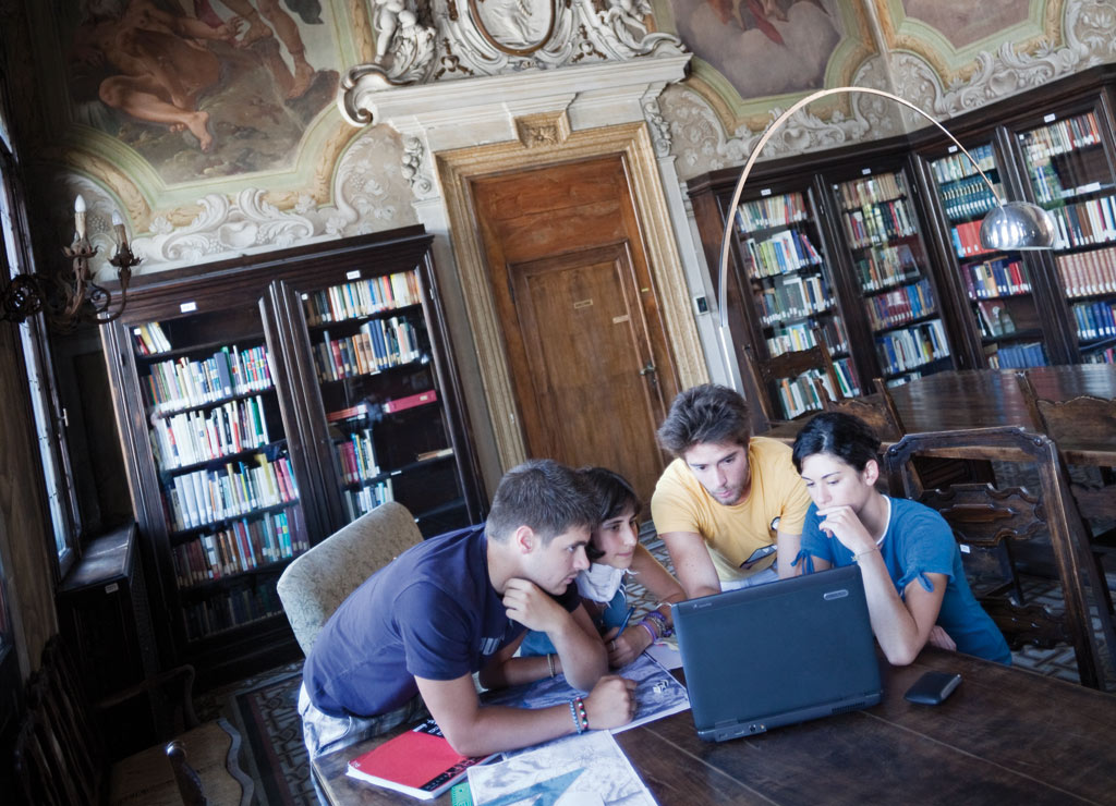 Università degli Studi di Padova 高等教育