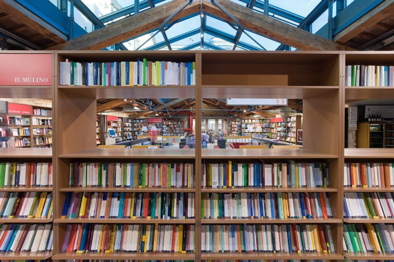 イタリア 書店