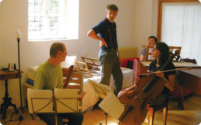 古楽楽器奏者のみなさんと練習をしたときの1枚。