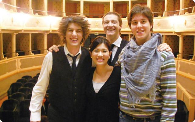 ジャコモ・プッチーニの作曲したオペラ「ジャンニ・スキッキ」のキャストと。