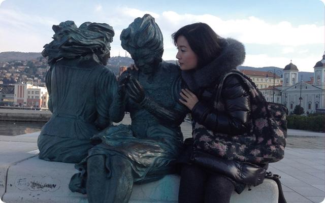 オペラ鑑賞のため訪れたトリエステの港にて